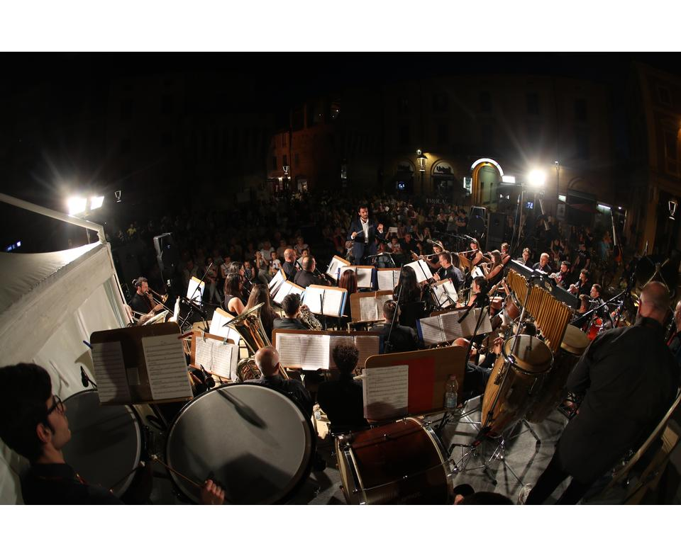 Piazza Medaglie d'Oro- Music film orchestra